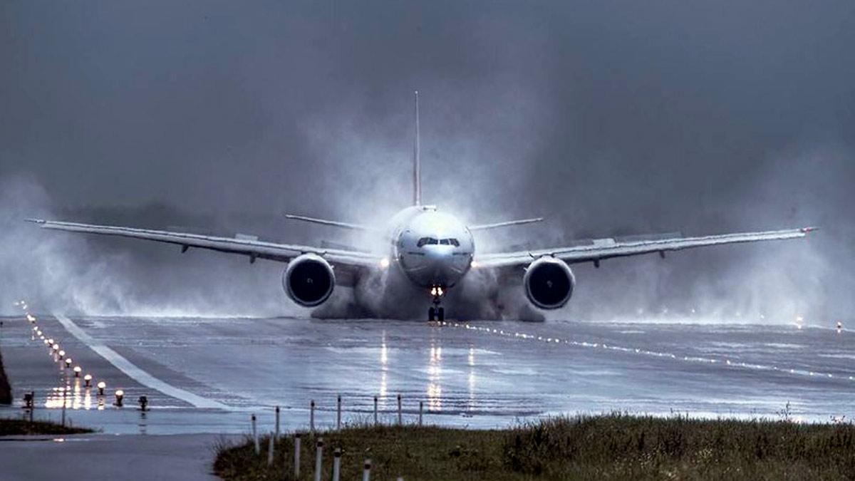 Sognando l'atterraggio di un aereo
