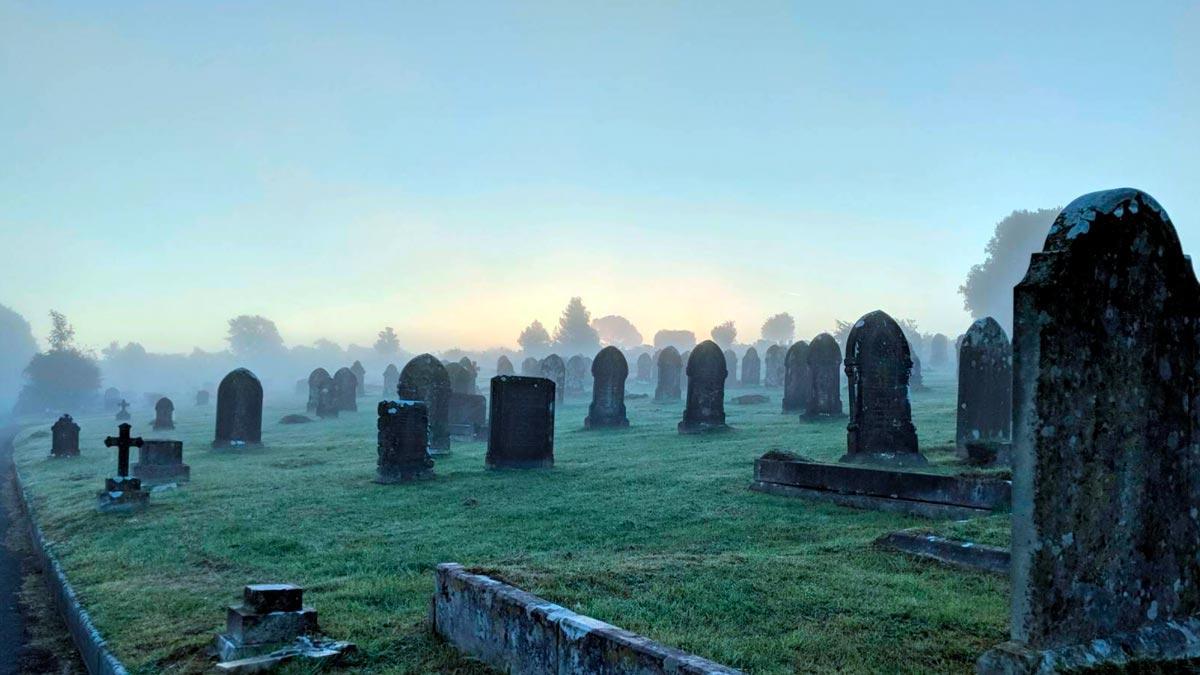 sognare un cimitero