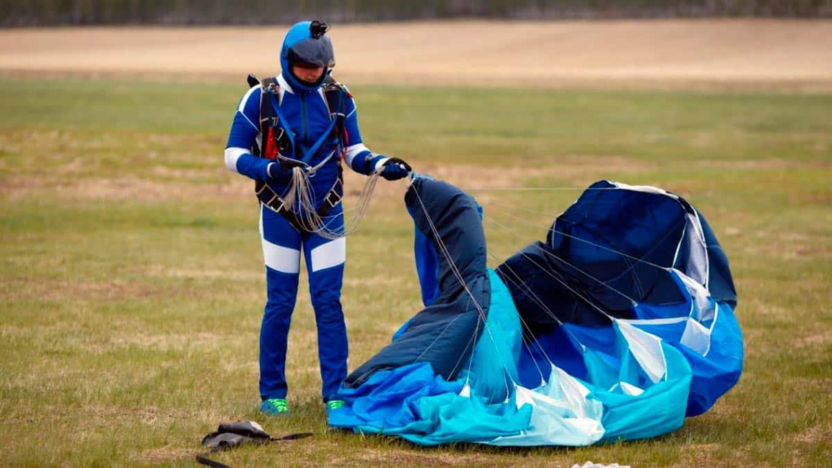 sognare con il paracadute